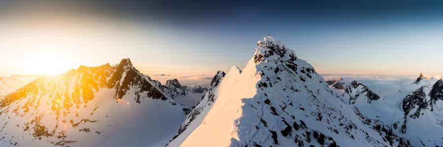 Soloppgang panorama i Jotunheimen av Bård Basberg