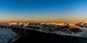 Solnedgang i frostrøyk, fotokunst veggbilde / plakat av Terje Kolaas