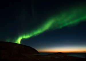 Nordlys over Korgen II, fotokunst veggbilde / plakat av Terje Kolaas