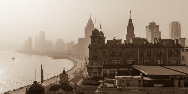 Shanghai skyline, The Bund av Erling Maartmann-Moe