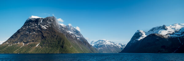 Innover Hjørundfjorden, Ørsta, fotokunst veggbilde / plakat av Erling Maartmann-Moe