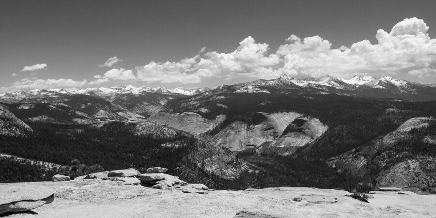 Utsikt over Yosemite sort-hvitt av Erling Maartmann-Moe