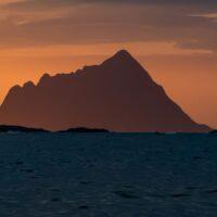 Midnattssol utenfor Tromsø VI av Erling Maartmann-Moe