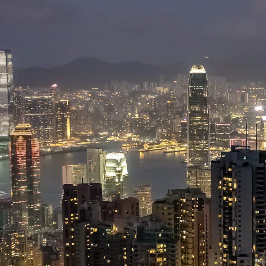 Hong Kong - kveldsutsikt fra Victoria Peak I av Erling Maartmann-Moe