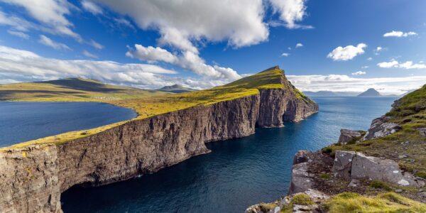 Fantastisk landskap på Færøyene., fotokunst veggbilde / plakat av Eirik Sørstrømmen