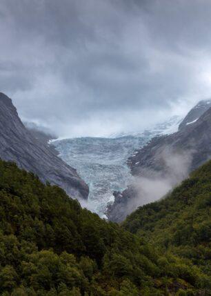 Mot Isbreen, fotokunst veggbilde / plakat av Eirik Sørstrømmen