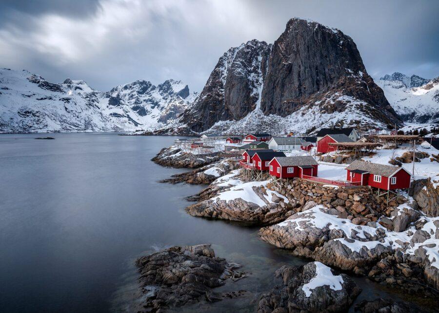 Rorbuer På Hamnøy av Eirik Sørstrømmen