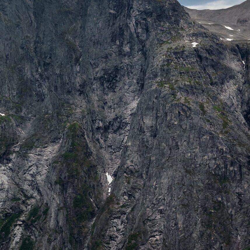 Trollveggen Panorama av Eirik Sørstrømmen
