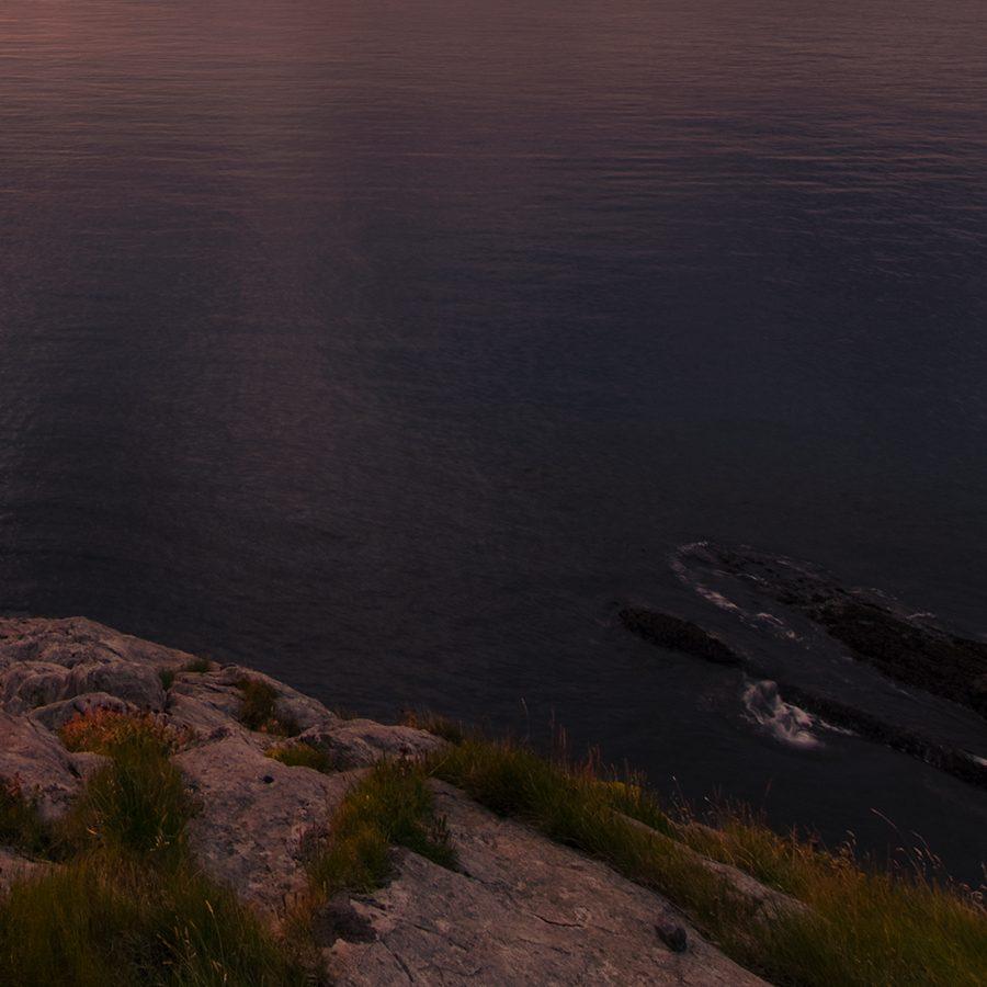 Soloppgang i Lofoten av Eirik Sørstrømmen