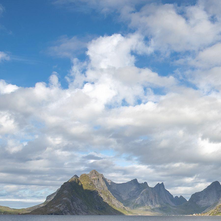 Former i Lofoten av Eirik Sørstrømmen