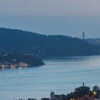 Kveldsbilde fra Bergen havn under Tall Ship Races, fotokunst veggbilde / plakat av Eirik Sørstrømmen