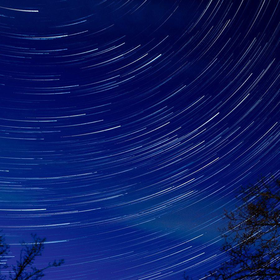 Stjernespor i natten av Gunnar Kopperud