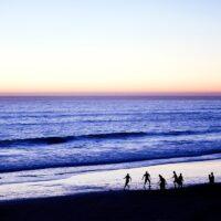 Strandfotball i solnedgang i Taghazout av Henning Mella