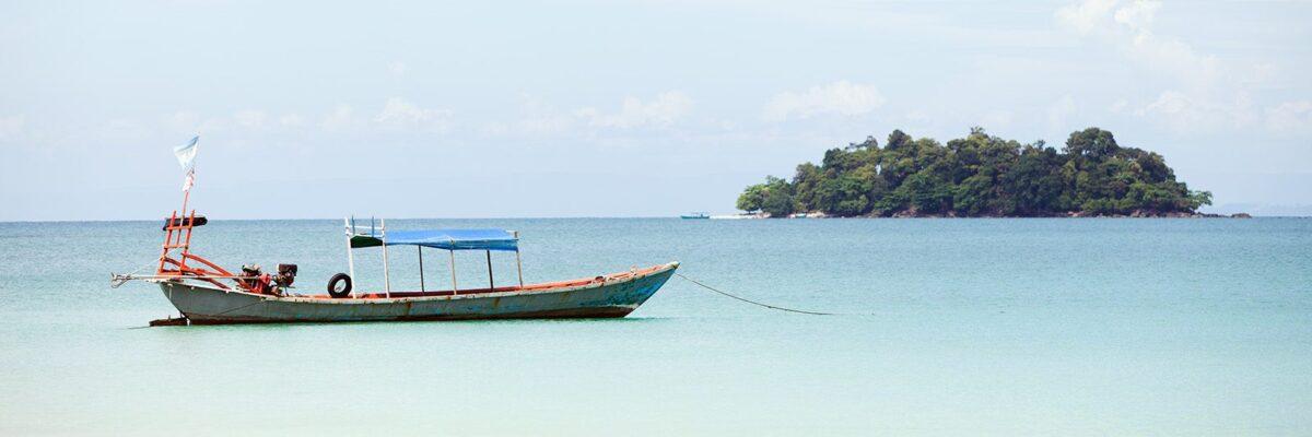 Fiskebåt Kambodsja av Henning Mella