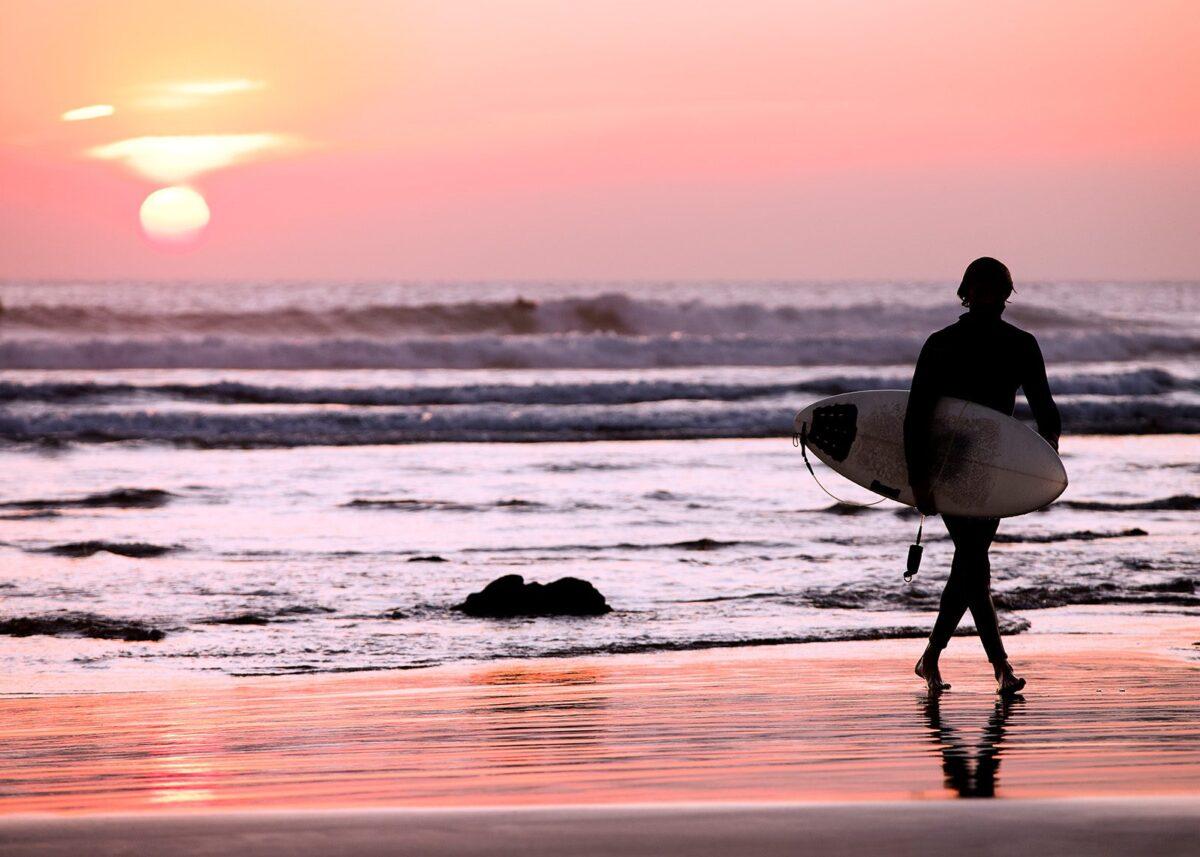 End of surf session av Henning Mella