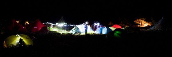 Teltleir i natten, fotokunst veggbilde / plakat av Henning Mella