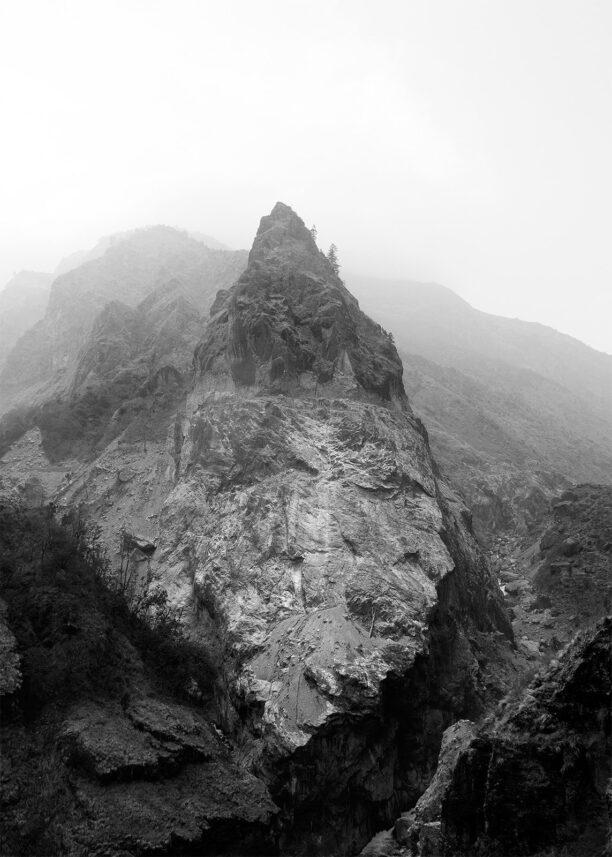 Fjellandskap i Himalaya sort-hvitt, fotokunst veggbilde / plakat av Henning Mella