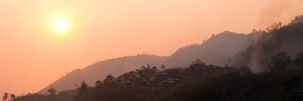 Solnedgang langs mekong, fotokunst veggbilde / plakat av Henning Mella
