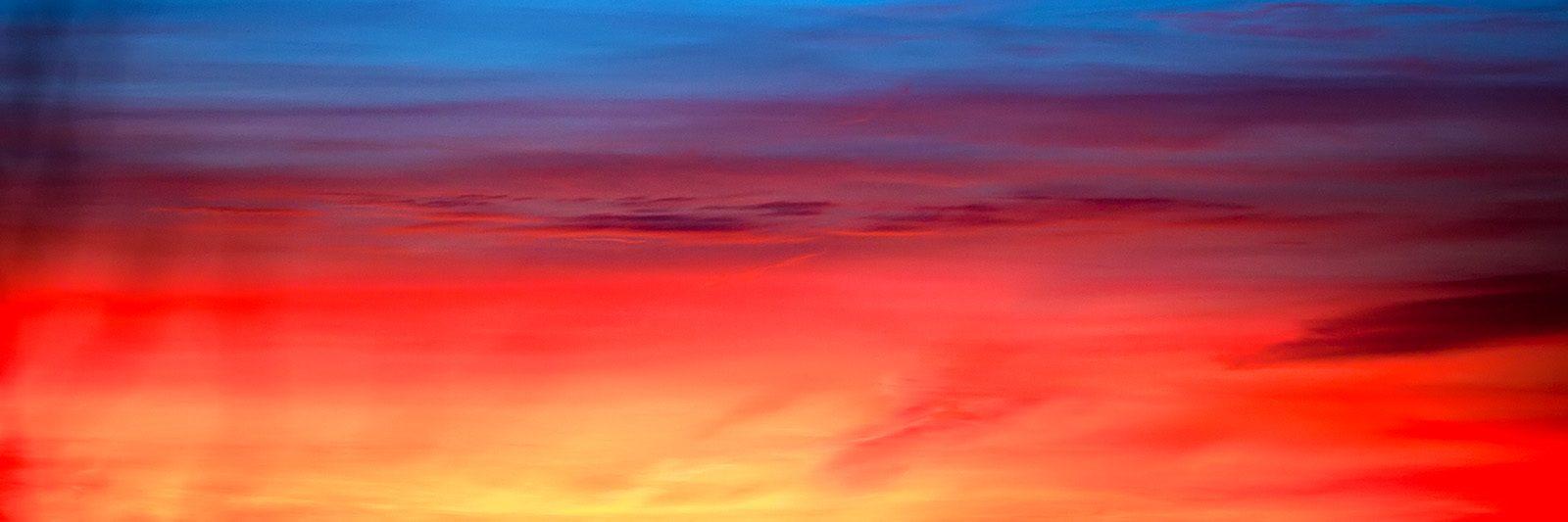 Brennende himmel av Henning Mella