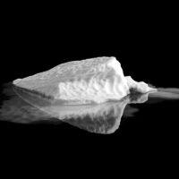 Lite isfjell, fotokunst veggbilde / plakat av Henning Mella