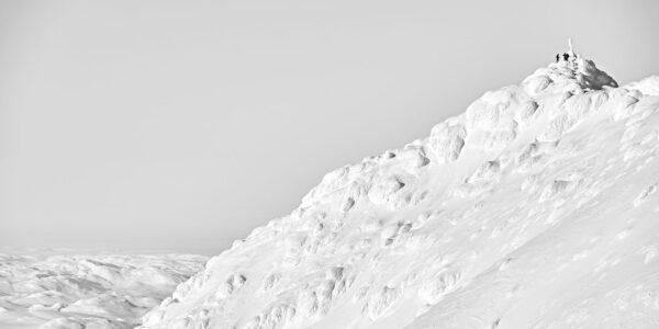Skikjørere på Gaustatoppen, fotokunst veggbilde / plakat av Henning Mella