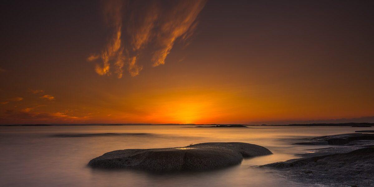 Solnedgang på Onsøy -Limited Edition, fotokunst veggbilde / plakat av Kåre Johansen