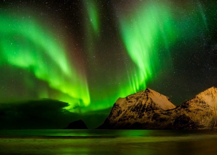 Dansende nordlys av Kåre Johansen