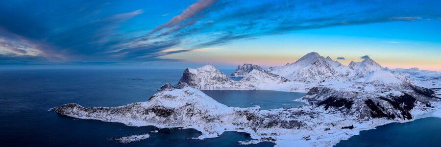 Utsikt fra Offersøykammen - Lofoten av Kåre Johansen