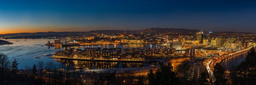Kveldslys over Oslo av Kåre Johansen