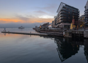 Havnelageret i kveldslys, fotokunst veggbilde / plakat av Kåre Johansen