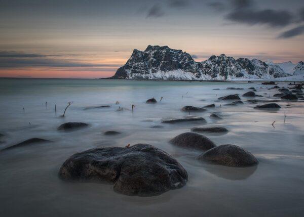 Kveldssol over Utakleiv, fotokunst veggbilde / plakat av Kåre Johansen