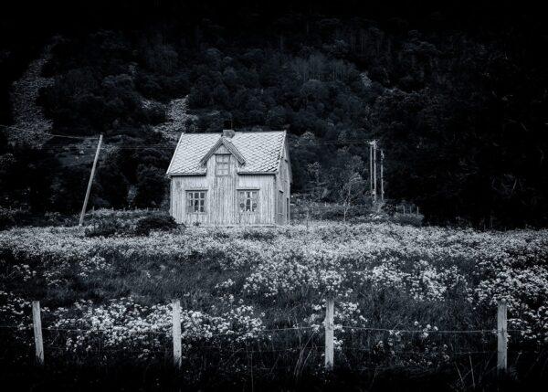Fraflyttet og glemt, fotokunst veggbilde / plakat av Kåre Johansen