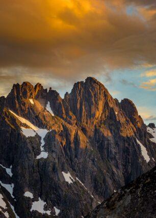 Trollfjordtindane i solnedgang, fotokunst veggbilde / plakat av Kåre Johansen