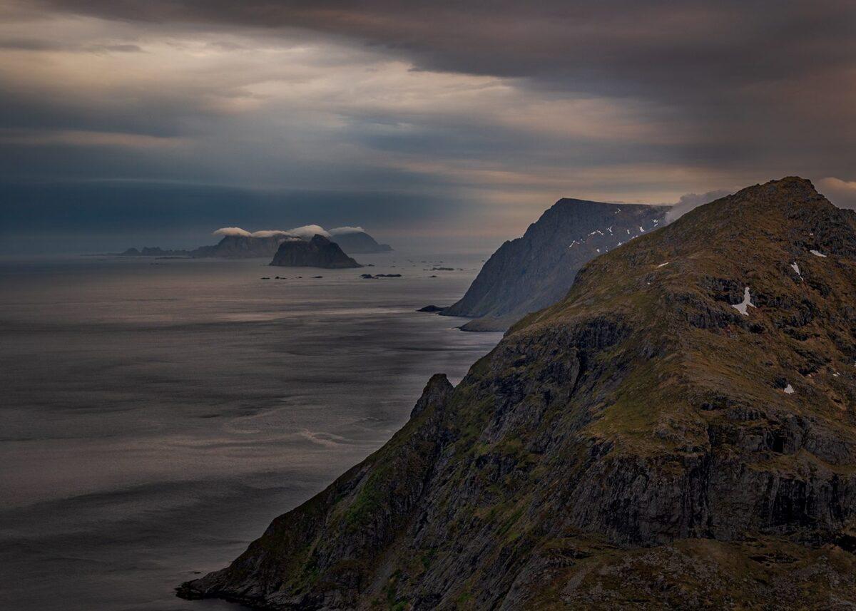Utsikt mot Værøy og Røst, fotokunst veggbilde / plakat av Kåre Johansen