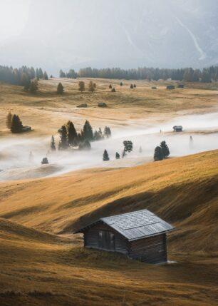 Tåke og fjell i alpene, fotokunst veggbilde / plakat av Kristoffer Vangen