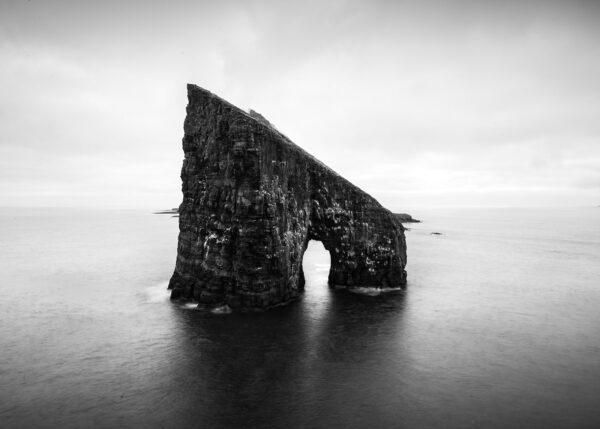 Sten i hav, fotokunst veggbilde / plakat av Kristoffer Vangen
