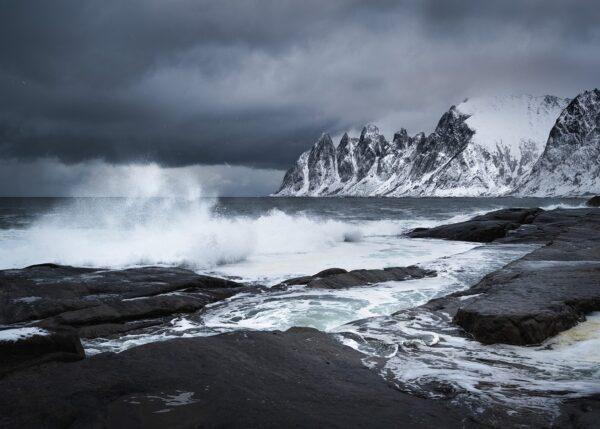 Uvær og bølger på Senja, fotokunst veggbilde / plakat av Kristoffer Vangen