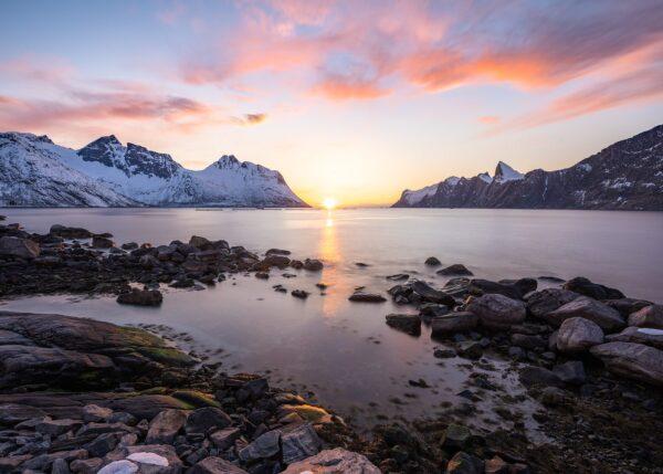 Solnedgang i mefjorden, fotokunst veggbilde / plakat av Kristoffer Vangen
