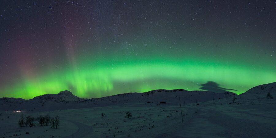 Nordlys over Bitihorn av Magne Tveiten