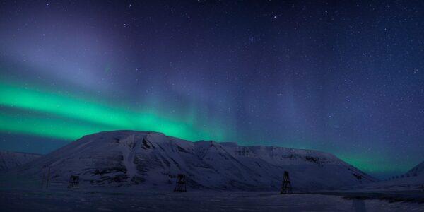 Nordlys over Bayfjellnosa, fotokunst veggbilde / plakat av Magne Tveiten
