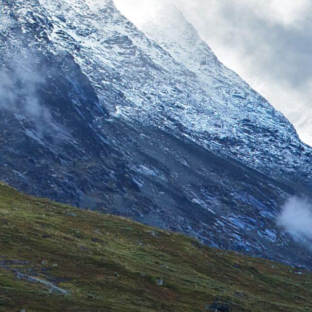 Store Skagastølstind i skyene, fotokunst veggbilde / plakat av Peder Aaserud Eikeland