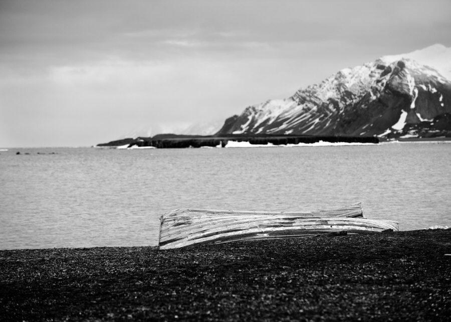 Forlatt robåt Spitsbergen av Peder Aaserud Eikeland