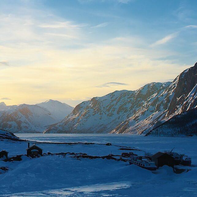 Gjendesheim vinterkveld, fotokunst veggbilde / plakat av Peder Aaserud Eikeland