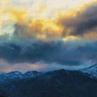 Kveldshimmel i Jotunheimen av Peder Aaserud Eikeland