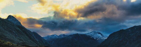 Kveldshimmel i Jotunheimen, fotokunst veggbilde / plakat av Peder Aaserud Eikeland
