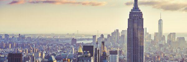 Hard blue skyline Manhattan, fotokunst veggbilde / plakat av Peder Aaserud Eikeland