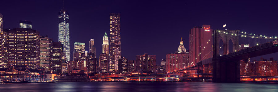 Manhattan night time av Peder Aaserud Eikeland