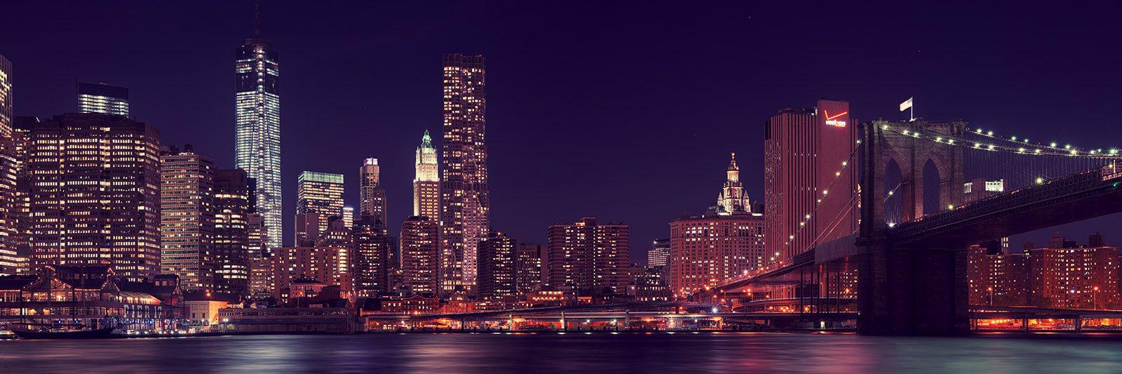 Manhattan night time av Peder Aaserud Eikeland