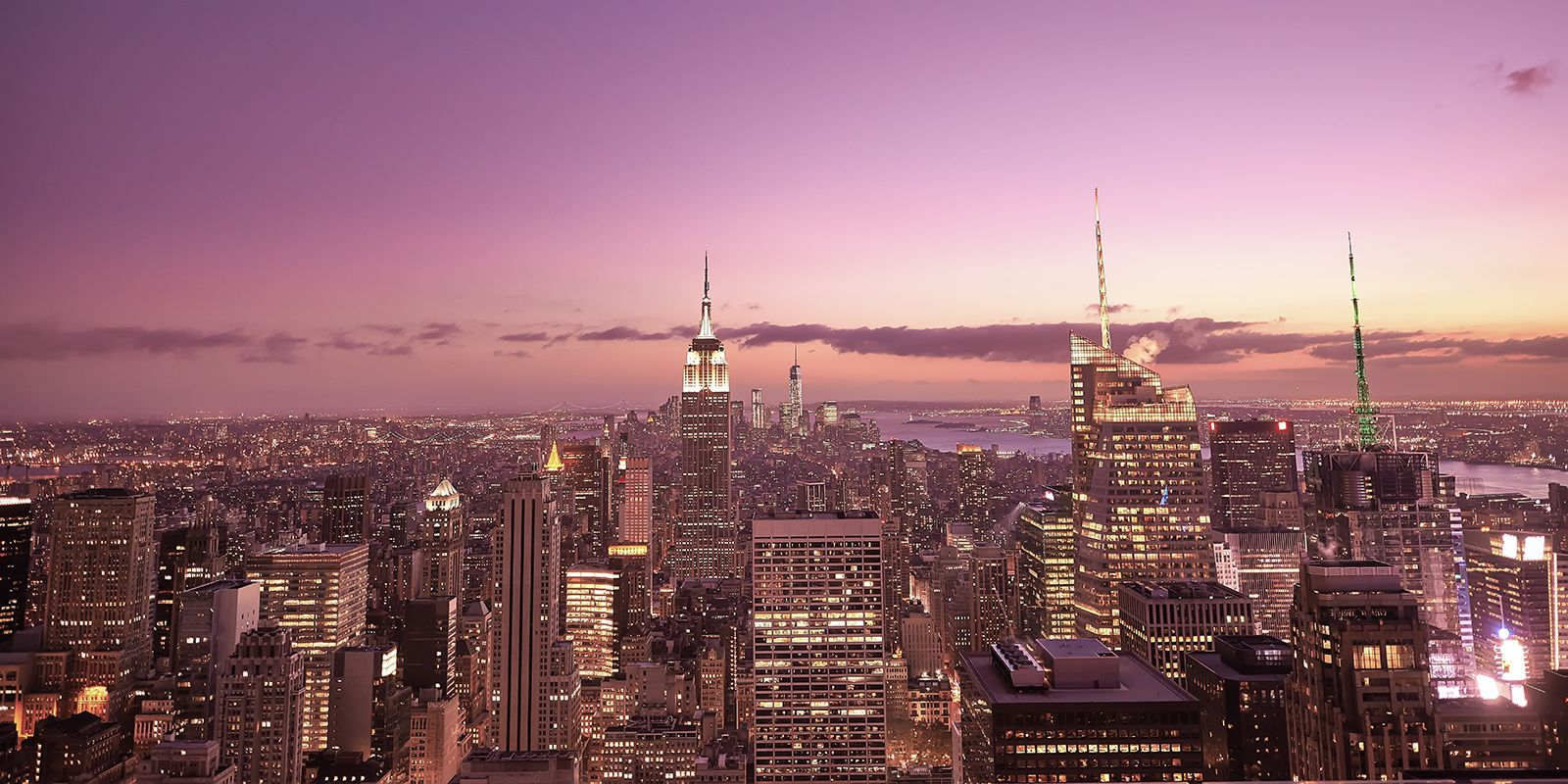 Manhattan by night skyline av Peder Aaserud Eikeland