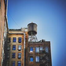 Manhattan skyline fra Brooklyn på kvelden, fotokunst veggbilde / plakat av Peder Aaserud Eikeland